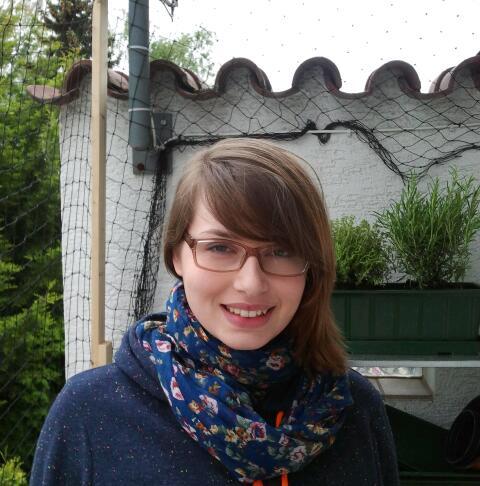 Alexandra Iwantschenko verdient ihr Geld als Kassiererin im Schwimmbad. Foto: Privat