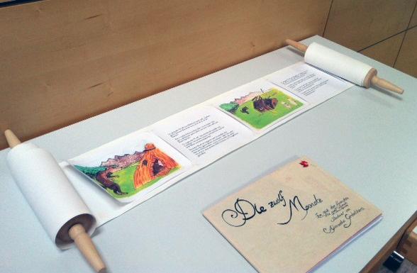 Studierende der Kulturwissenschaft illustrieren ihre eigenen Märchenbücher. Foto: Lisa Dillenberger