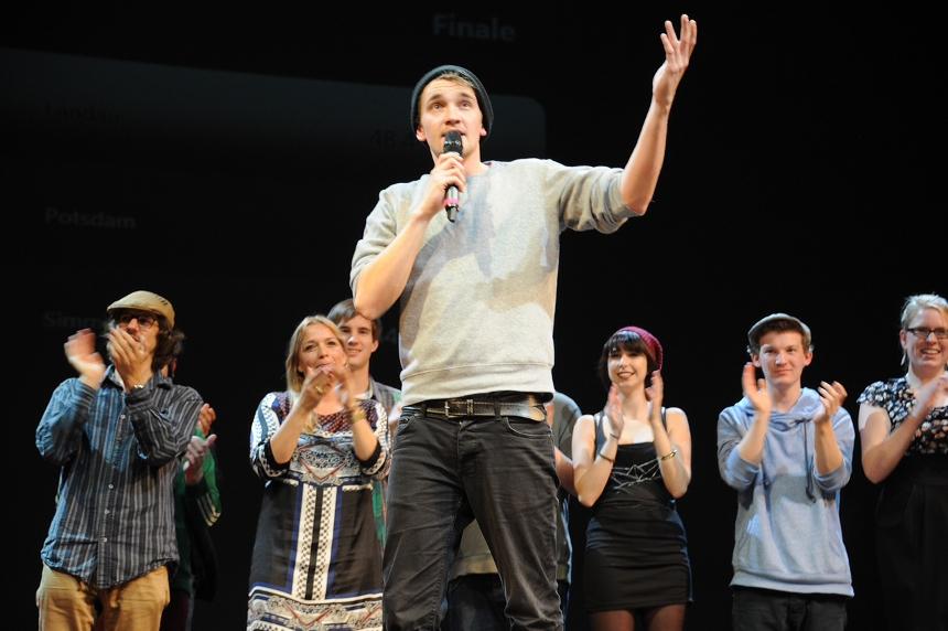 Jonas Meyer ist Gewinner des Abends. Das Publikum entschied und machte den Landauer Studenten zum verdienten Landesmeister. Foto: Karin Hiller