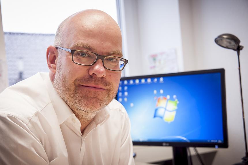 Leitet die Forschungs- und Lehrambulanz: Dr. Jens Heider an seinem Arbeitsplatz. Foto: David John
