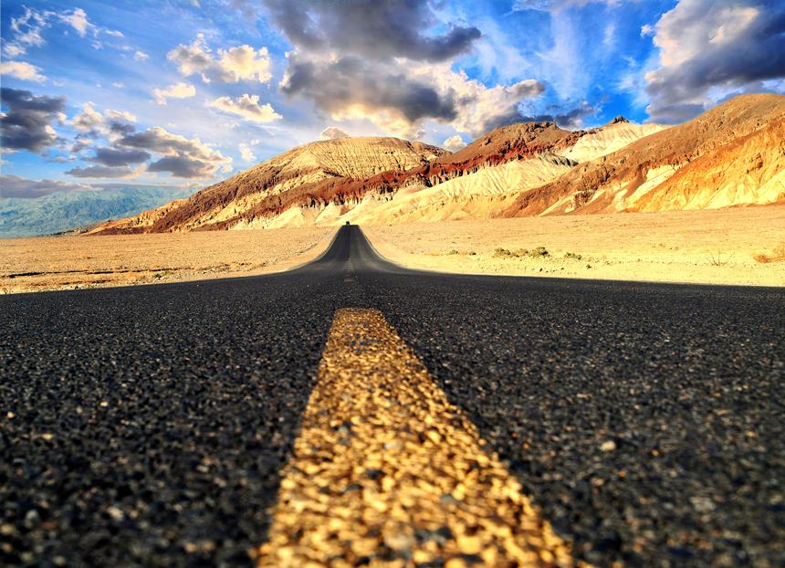 Wer an Kalifornien denkt, hat viele Bilder im Kopf: Neben Sonne, Strand und Meer ist der US-Bundesstaat auch für die Route 66 und das Death Valley (Foto) bekannt. Foto: Guenter Hamich/ pixelio.de