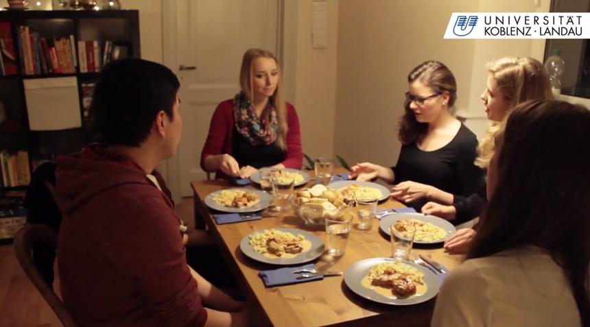 Hauptgang bei den Switching Tables: Das innovative Format bringt fremde Menschen kulinarisch zusammen.