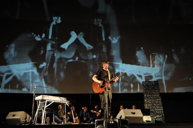 Stefan Ebert hat den ersten Song Slam für sich entschieden. Fotos: Berend Barkela