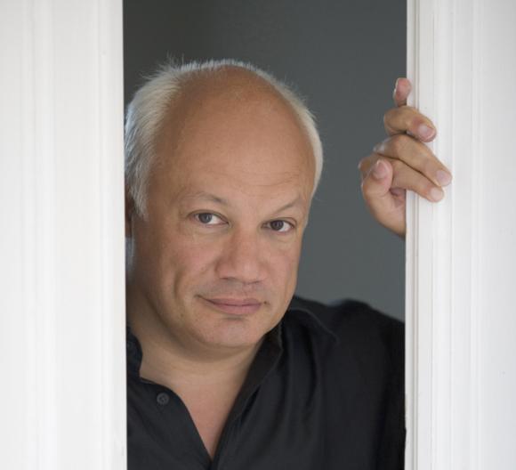 Der französische Autor Éric-Emmanuel Schmitt kommt vom 21. bis zum 23. Januar nach Landau. Foto: Catherine Cabrol/ANTIGONE SA