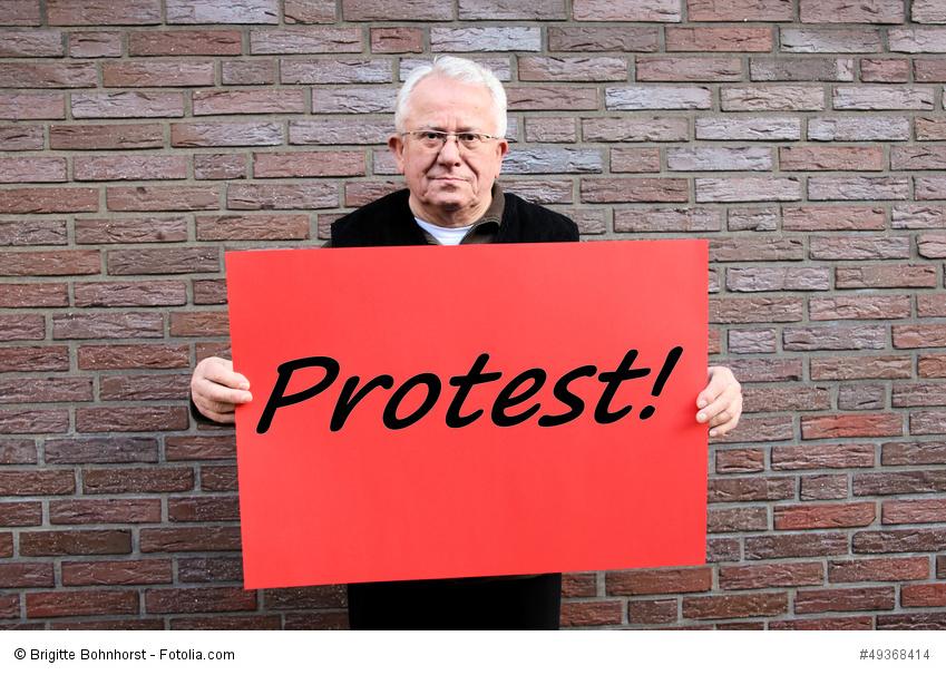 Bürger begehren auf, wenn ihnen Dinge missfallen. Wie kann man sie besser in politische Entscheidungsfindungen einbeziehen? Foto: Brigitte Bohnhorst / Fotolia.com