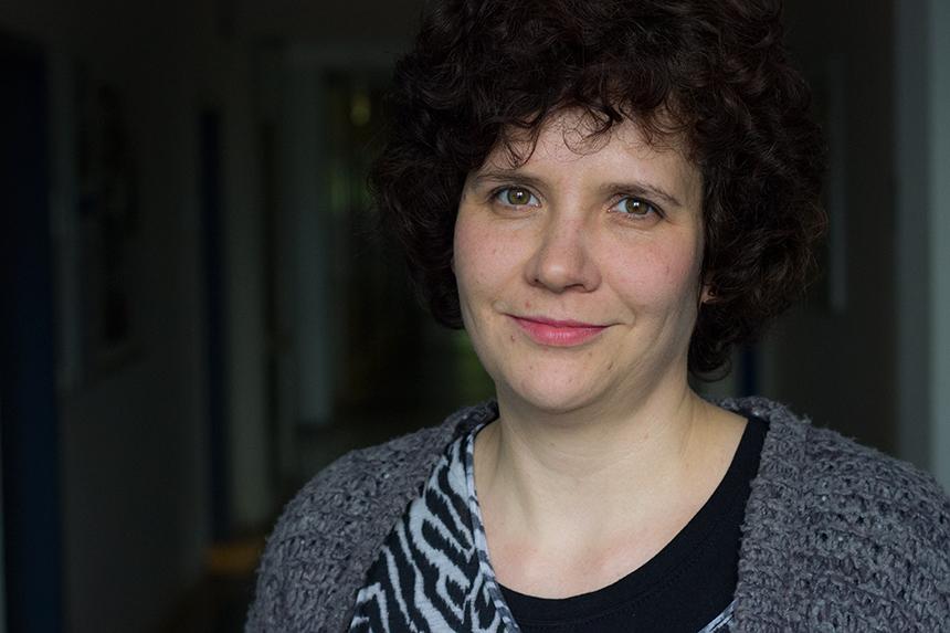 Tina Walber forscht am Koblenzer Institute for Web Science and Technologies (WeST) zum Thema Eyetracking. Foto: Adrian Müller