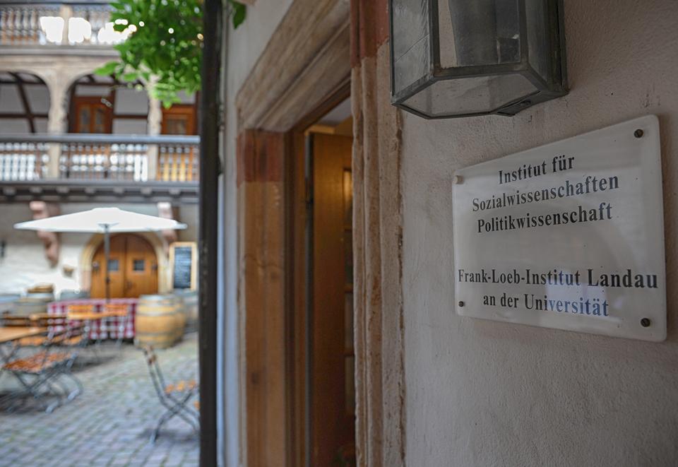 Das Frank-Loeb-Institut (FLI) betreibt seit seiner Gründung 1998 Politikvermittlung und politische Bildung. Foto: Hiller