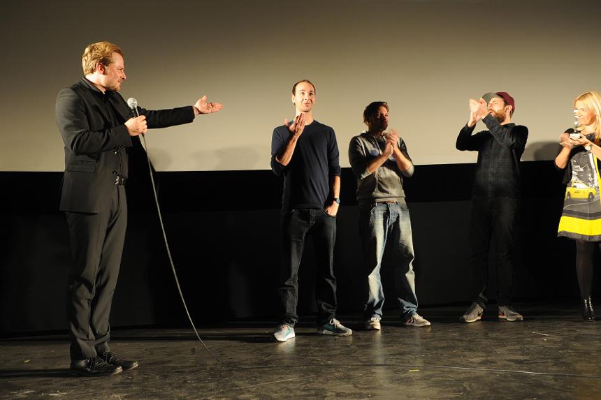 Pierre Jarawan, deutschsprachiger Poetry-Slam-Meister von 2012, ist glücklicher Sieger beim Poetry Slam in Landau. Foto: Karin Hiller