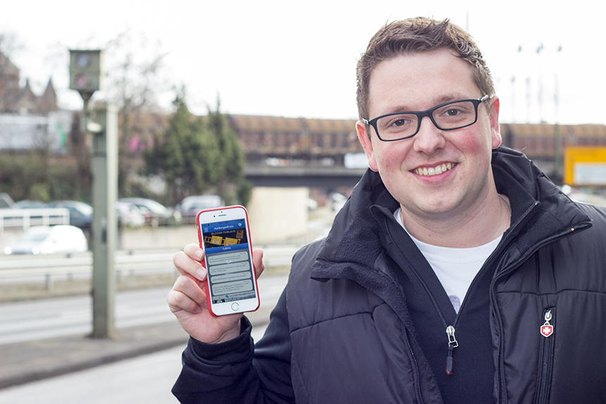 Marcus Bausen, Student am Koblenzer Institut für Informationsmanagement, hat eine Stau- und Blitzer-App entwickelt, mittlerweile wird sie schon deutschlandweit genutzt. Foto: Adrian Müller