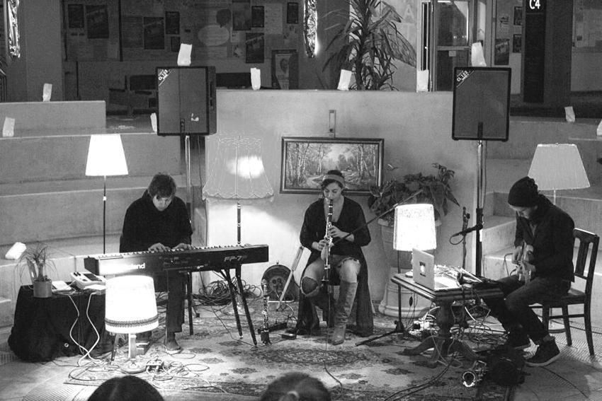 Die Band Unland begeisterte durch improvisierte Klanglandschaften.