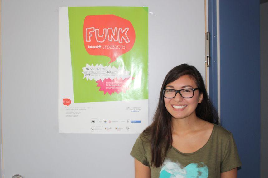 Aubrey Czepy kennt das Projekt aus beiden Perspektiven: Als Schülerin und heute als Förderlehrerin ist sie froh, dabei zu sein. Foto: Clara Jung