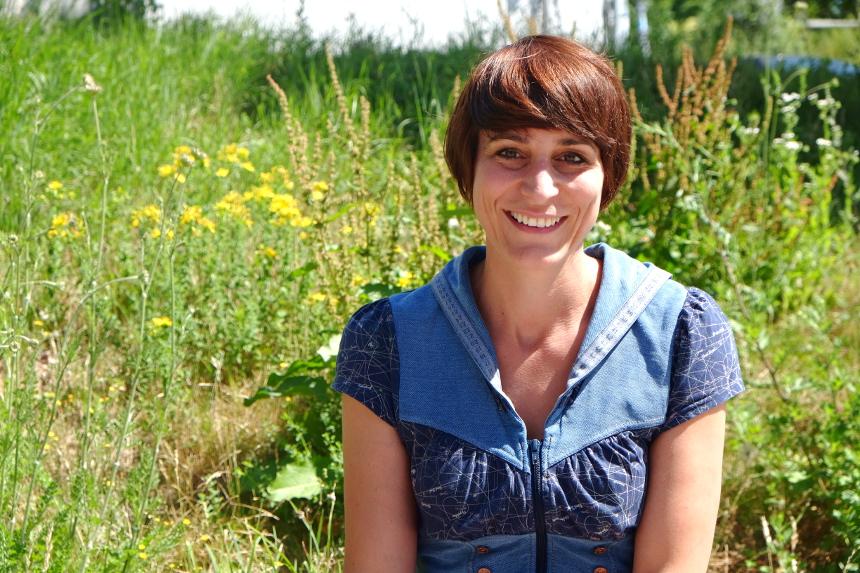 Tamara Kunt promoviert am Campus in Landau und erarbeitet inklusive Spiralcurricula zum Themenkomplex Umweltprozesse. Foto: Lisa Leyerer