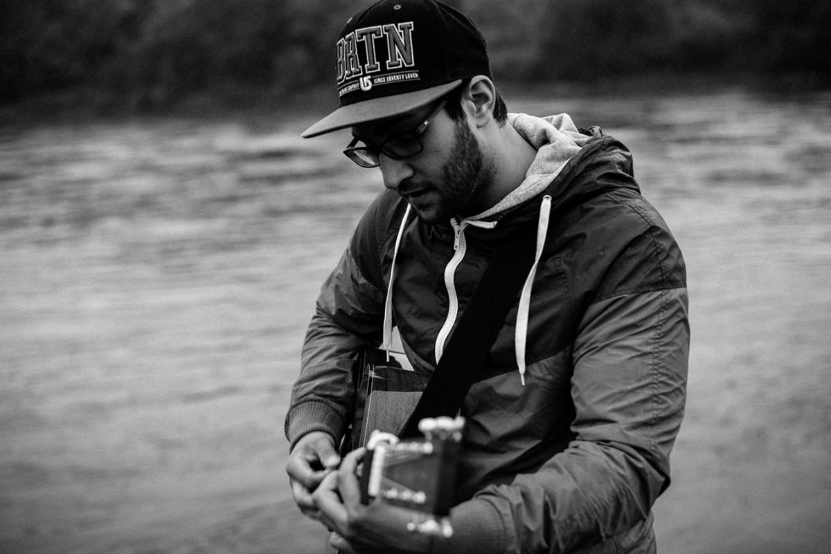 Der Koblenzer Lehramtsstudent Ijaz Ali ist Musiker mit Begeisterung und Herz. Foto: Privat