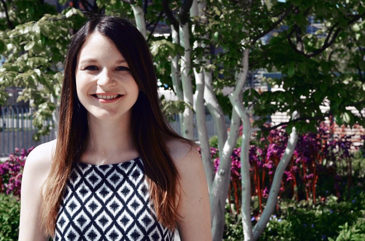 Anna-Lisa Siebigteroth, 25, hat an der Uni Siegen Soziale Arbeit studiert und vertieft nun ihr Wissen in Erziehungswissenschaften am Campus Landau. Foto: Seel.