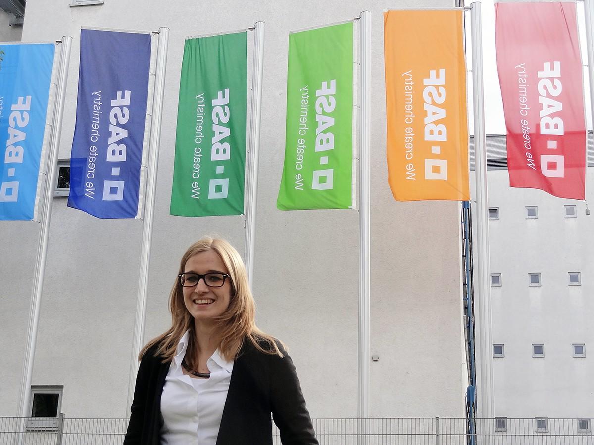 Übernimmt in ihrem Nebenjob bei BASF bereits viel Verantwortung: die Landauer Studentin Melanie Heibel. Foto: Privat.