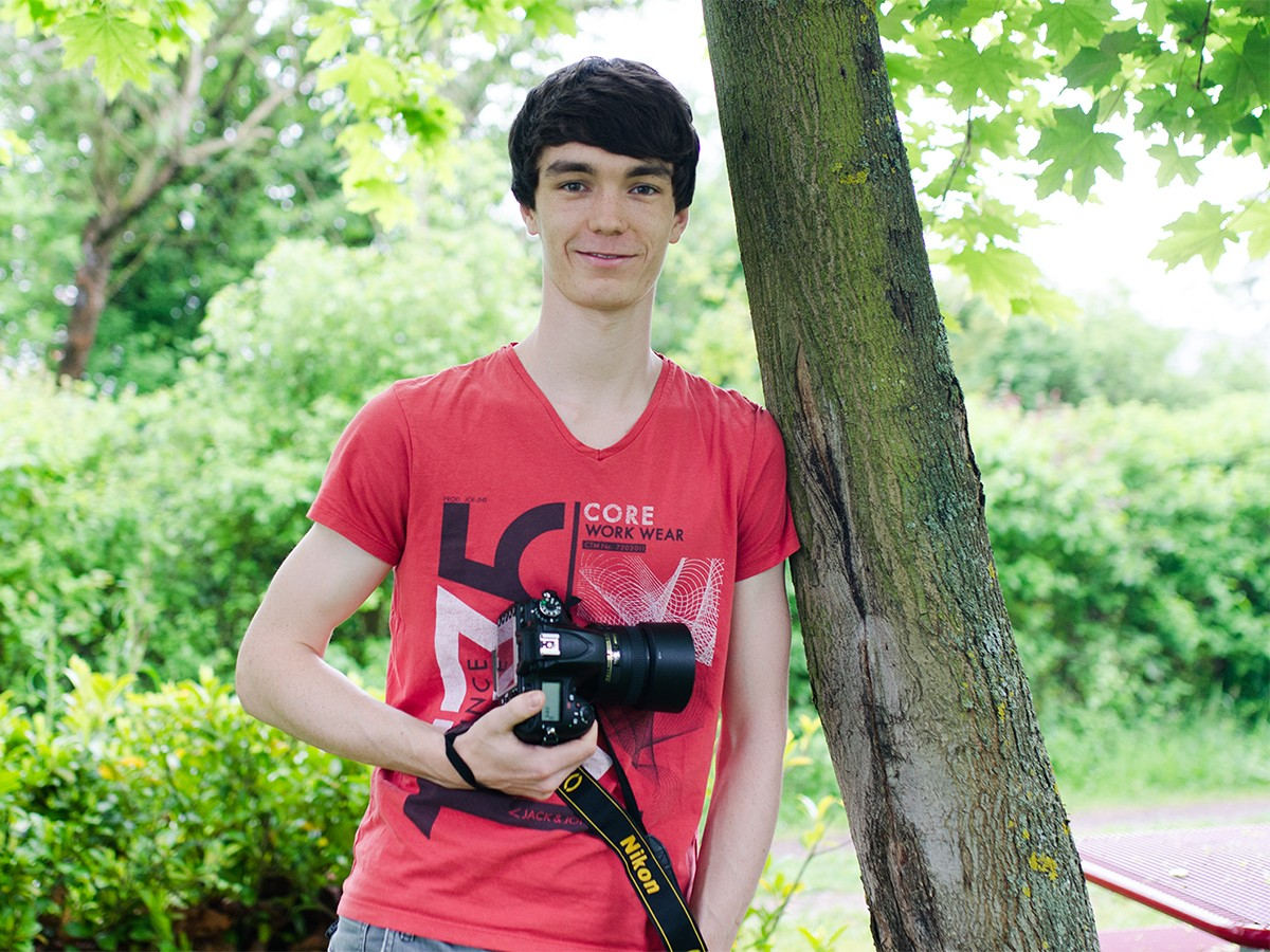 Student Jan Hendrik Henze arbeitet neben dem Studium als freier Fotograf. Foto: Enya Höffner.