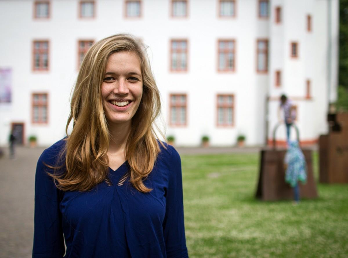 Hanka Pohontsch arbeitet neben dem Studium im Museum und leitet Workshops und Führungen. Foto: Marius Adam