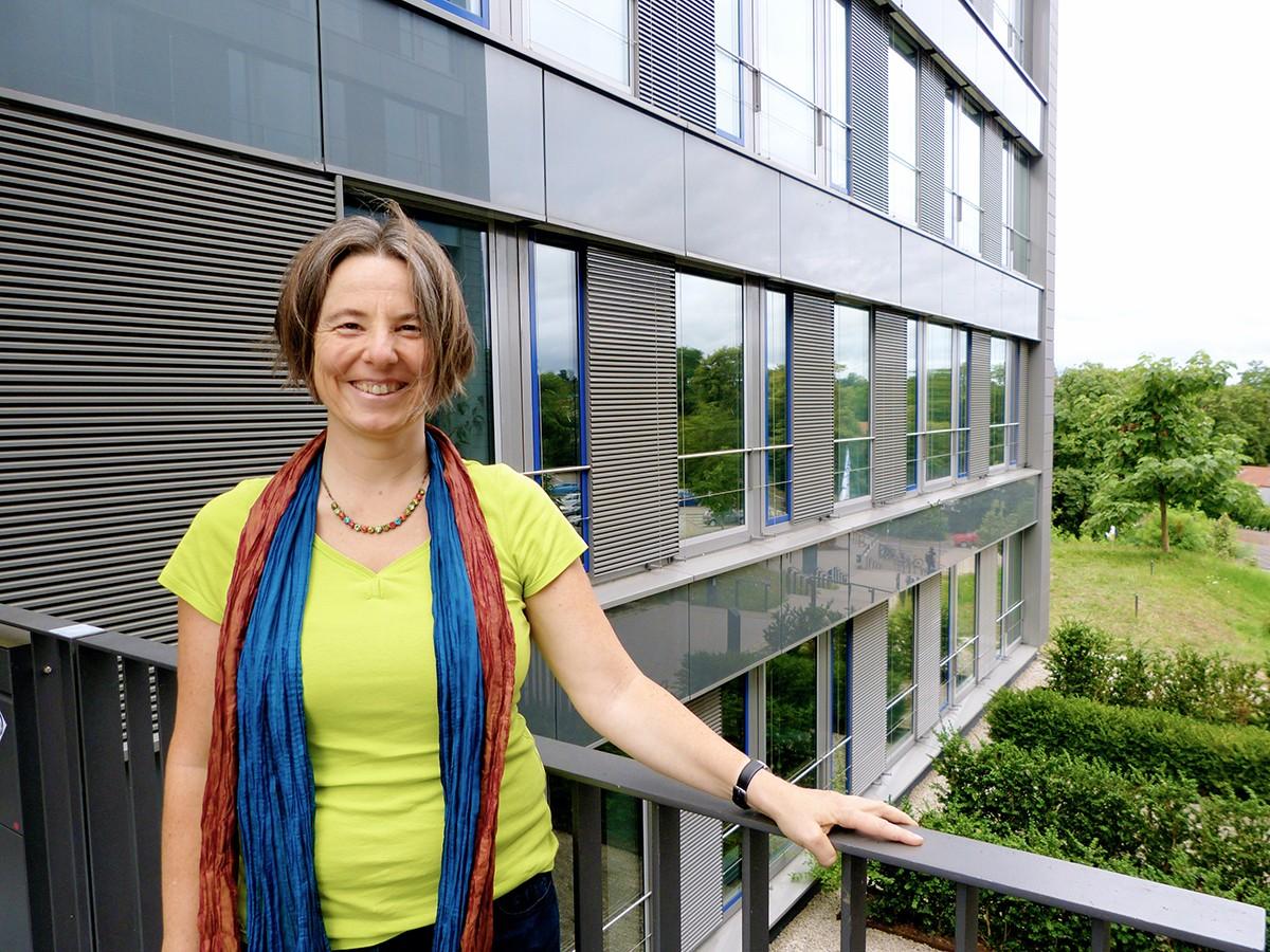 Die Professorin für Umwelt- und Bodenchemie Gabriele Schaumann ist Sprecherin von INTERNANO. Fotos: Schreiner