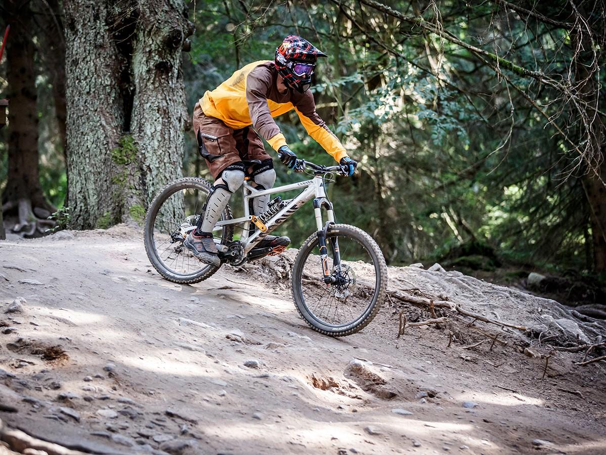 Der passionierte Mountainbiker Michael Fliehmann in seinem Element. Fotos: Privat
