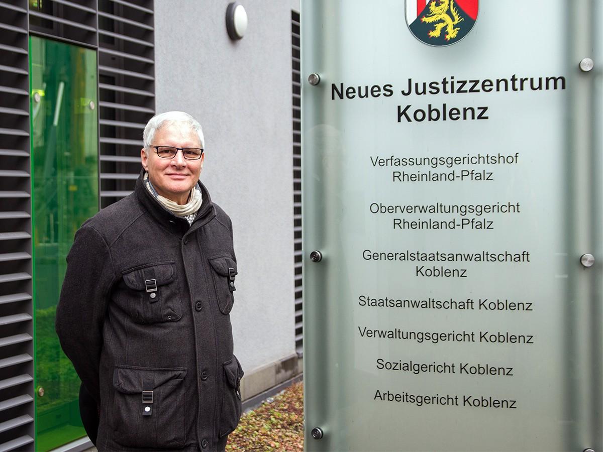 Ist ein echtes Urgestein am Koblenzer Campus und schreibt Ehrenamt in seinem Leben groß: Personalratsvorsitzender Hans-Josef Becker. Foto: Marius Adam