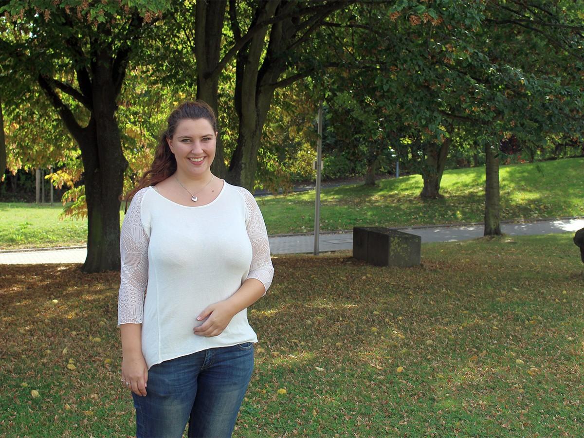 Julie Capric sieht in dem Studiengang B.A. Pädagogik viele Chancen und Möglichkeiten. Foto: Esther Guretzke