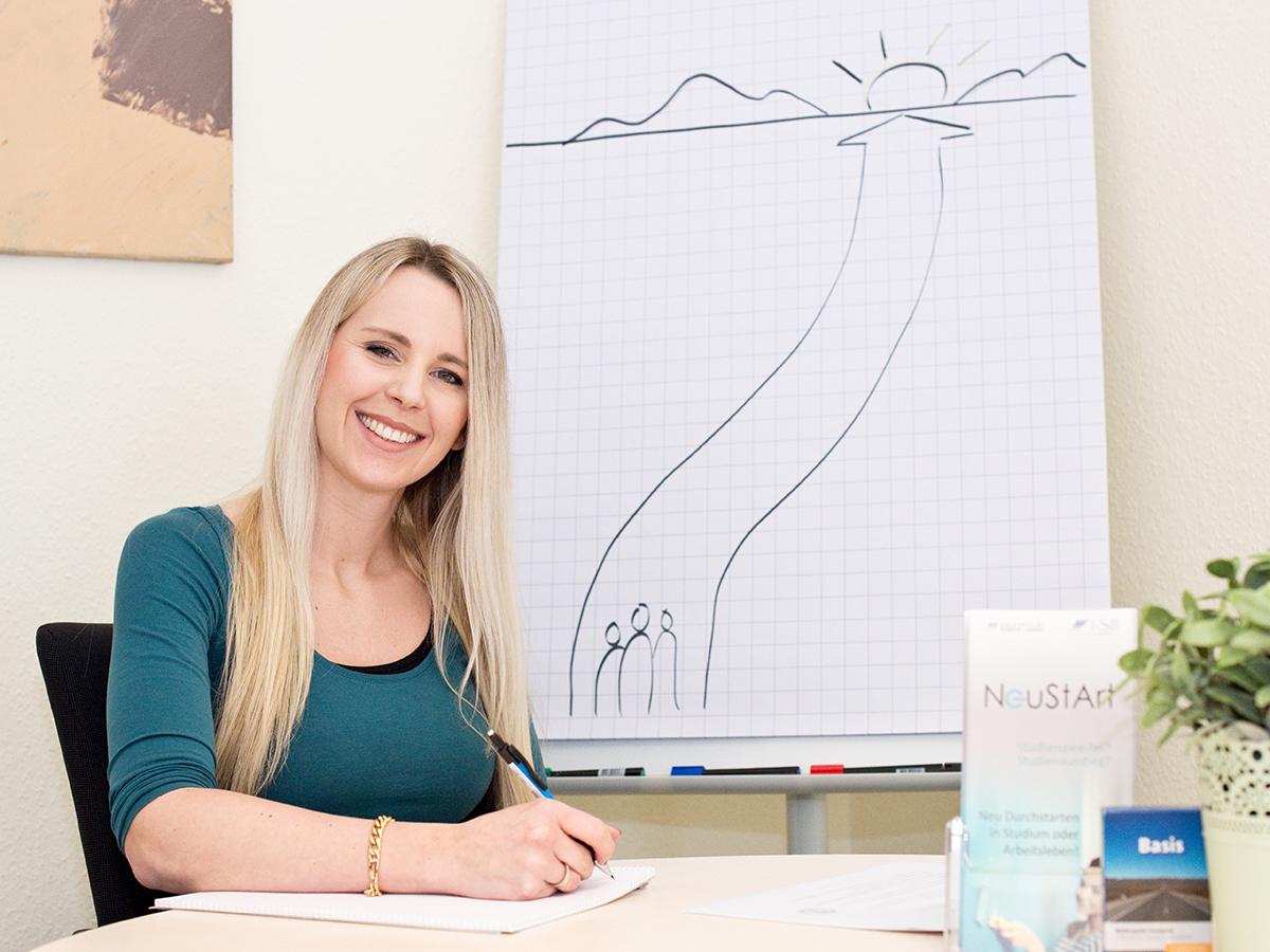 Anna Lauermann berät Studienzweifler. Foto: Greta Rettler