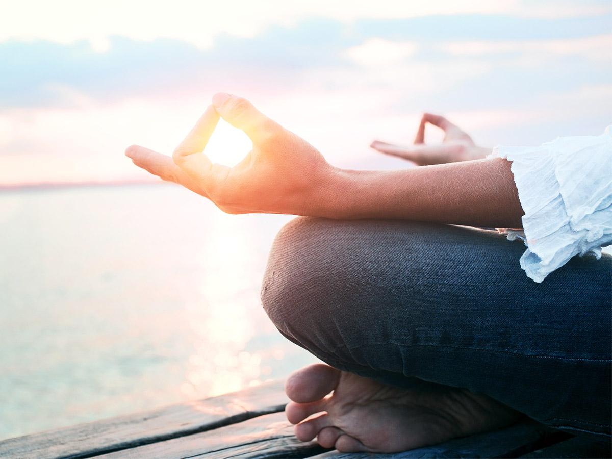 Selbstoptimierung oder Achtsamkeit? Unsere Reporterin Constanze Schreiner möchte herausfinden, was für sie der Schlüssel zum Glück ist. Foto: fotolia.com/frankie's