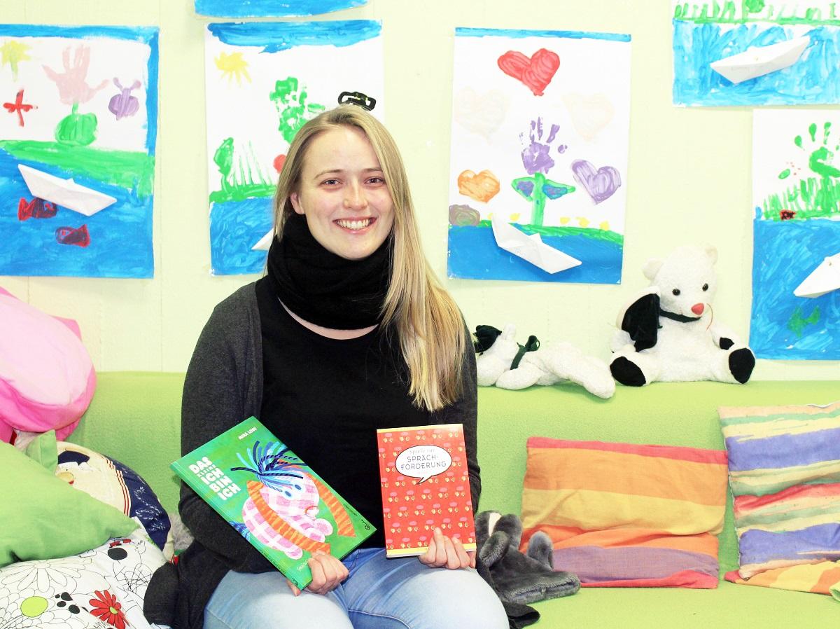 Sinja Lorenz möchte bei kleinen Kindern die Freunde am Sprechen wecken und arbeitet deshalb neben dem Pädagogikstudium in Kitas. Foto: Esther Guretzke