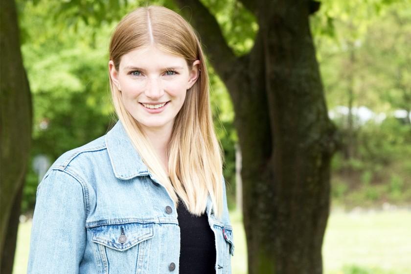 Nina Richter bringt eine große Begeisterung für das Fach Mathematik mit und möchte in ihrem späteren Beruf als Grundschullehrerin Kindern die Welt der Zahlen vermitteln. Foto: Greta Rettler
