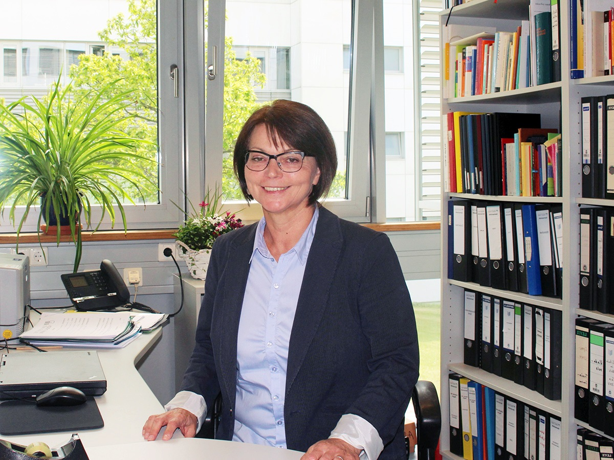 Die neue Gleichstellungsbeauftragte Prof. Dr. Helga Arend engagiert sich voller Überzeugung für ein gutes Miteinander an der Universität Koblenz-Landau. Foto: Esther Guretzke