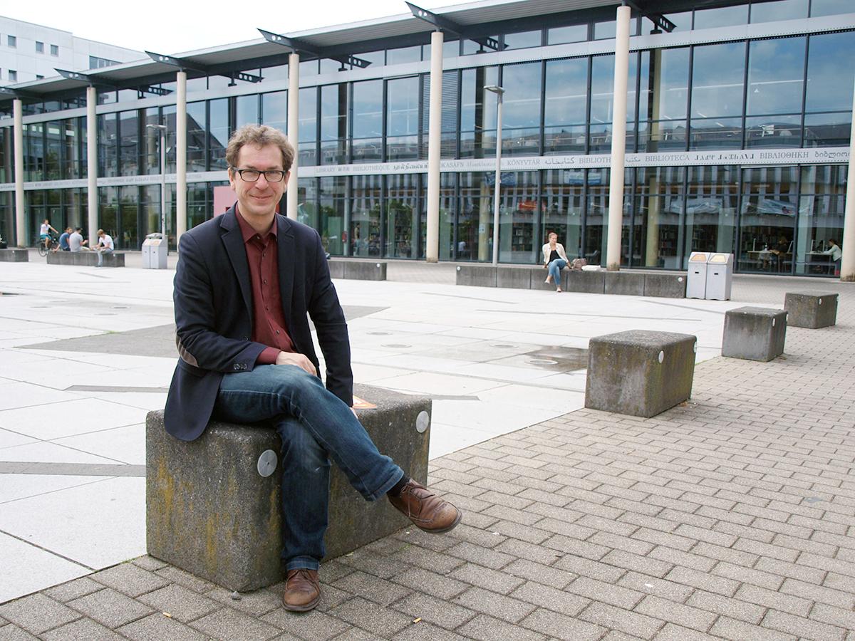 Christian Jeub ist gebürtiger Solinger mit Wurzeln in Koblenz. Neben der beruflichen Herausforderung hat ihn auch die Stadt selbst vom Ankommen und Bleiben überzeugt. Foto: Junghänel