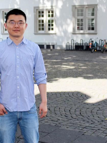 Der chinesische Austauschstudent Hongtao Liu macht seinen Master der Mathematischen Modellierung in Koblenz. Foto: Esther Guretzke