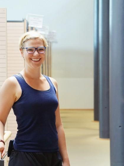Beate Kerber studiert Sonderpädagogik am Campus Landau. Am Studium gefällt ihr vor allem, dass es keine pauschalen Lösungswege gibt, sondern die Herausforderung darin besteht, für jedes Kind eine individuelle, ganzheitliche Lösung zu finden. Foto: Constanze Schreiner