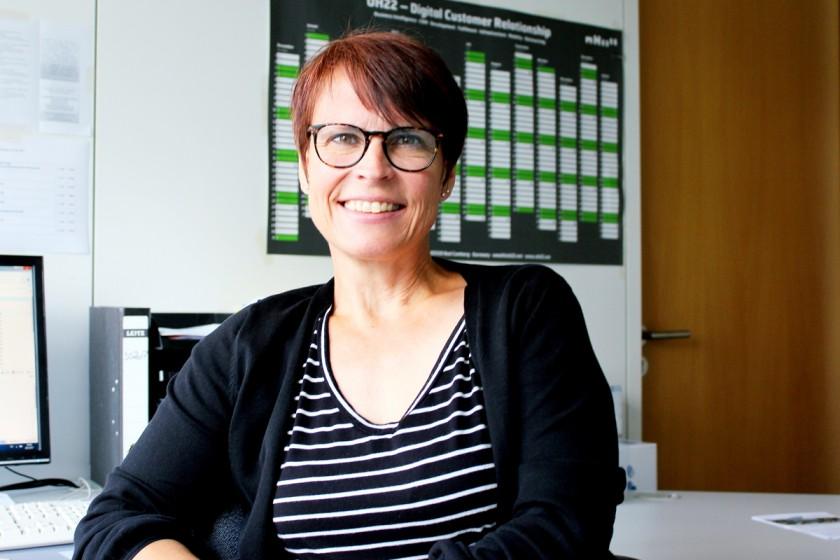 Rosi Heuser ist Sekretärin am Institut Kulturwissenschaft und hat schon so manchem Studierenden aus einer schwierigen Situation geholfen. Foto: Natalie Henzgen