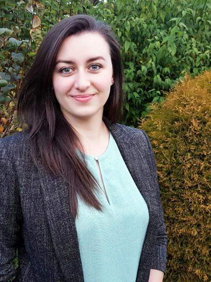 Irina Fenov hat das vielseitige KuWi-Studium sehr genossen und weiß heute genau, wo ihre berufliche Zukunft liegt. Foto: Irina Fenov