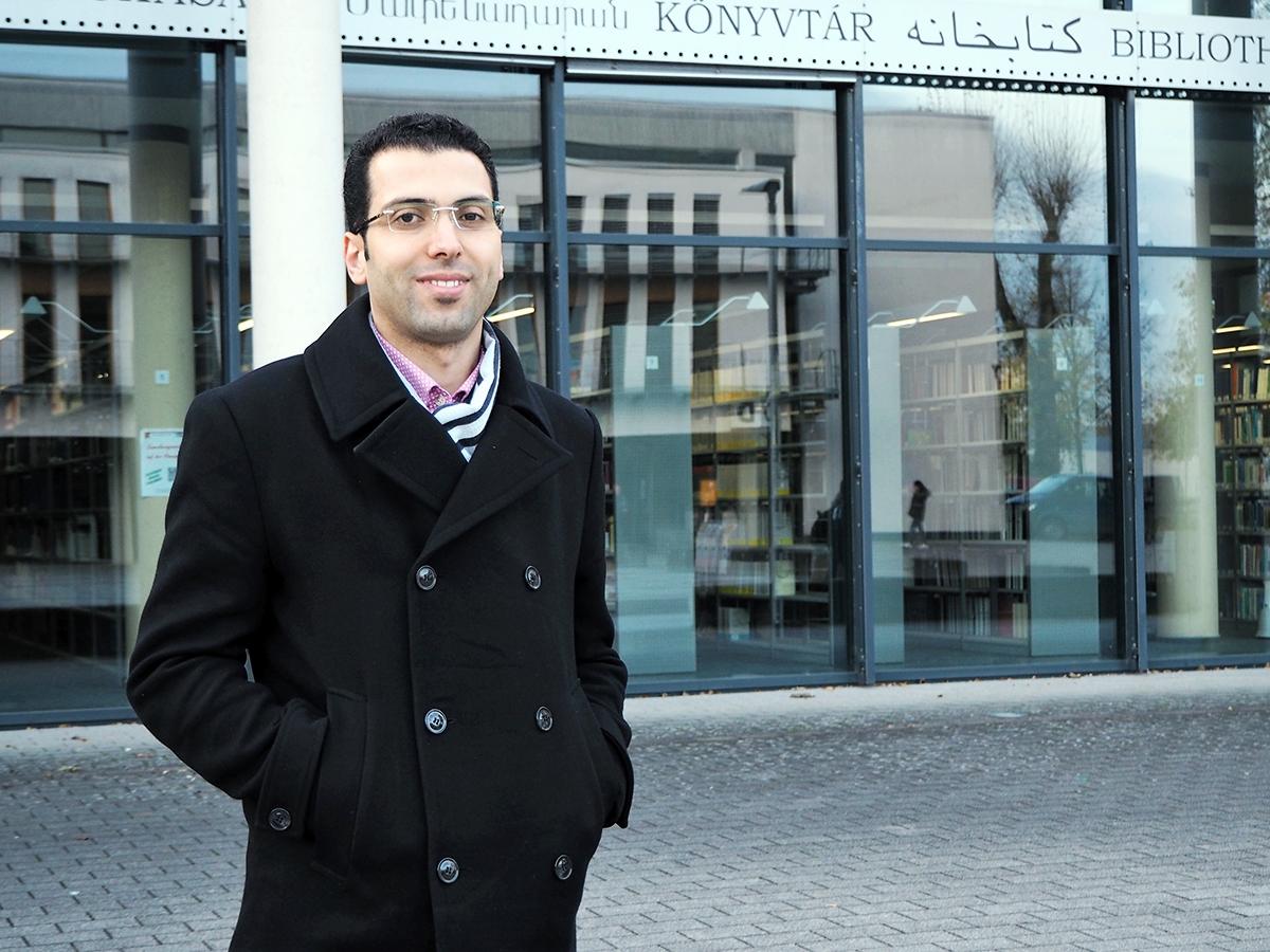 Der Syrer Wael Alhalaki wagte die Flucht nach Deutschland und möchte an der Universität Koblenz-Landau studieren. Im Uniblog erzählt er von seinem neuen Leben hier. Foto: Lisa Engemann