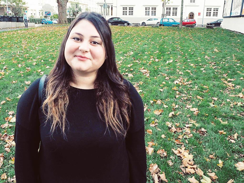 Dilara Karadag führte für ihre Bachelorarbeit qualitative Interviews mit Ehrenamtlichen in der Flüchtlingshilfe. Foto: Esther Guretzke