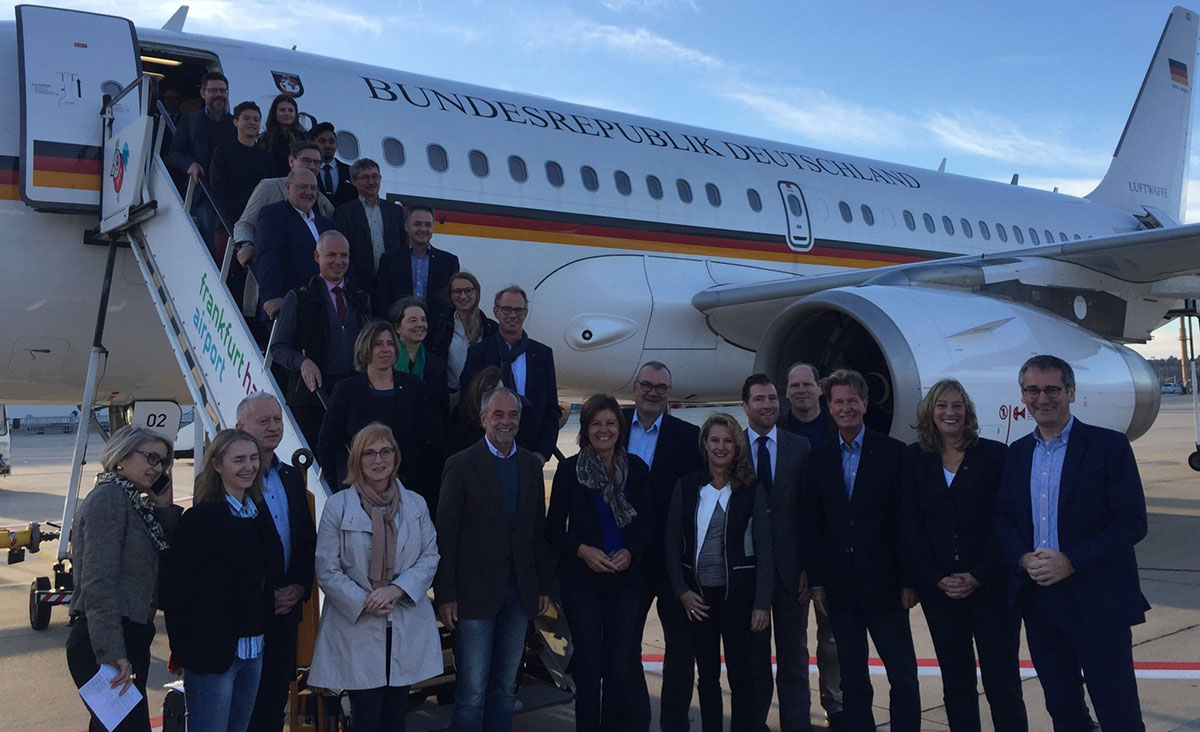 Die ehemalige Bundesratspräsidentin Malu Dreyer mit ihrer Delegation aus Wirtschaft, Wissenschaft und Medien. Foto: Staatskanzlei RLP