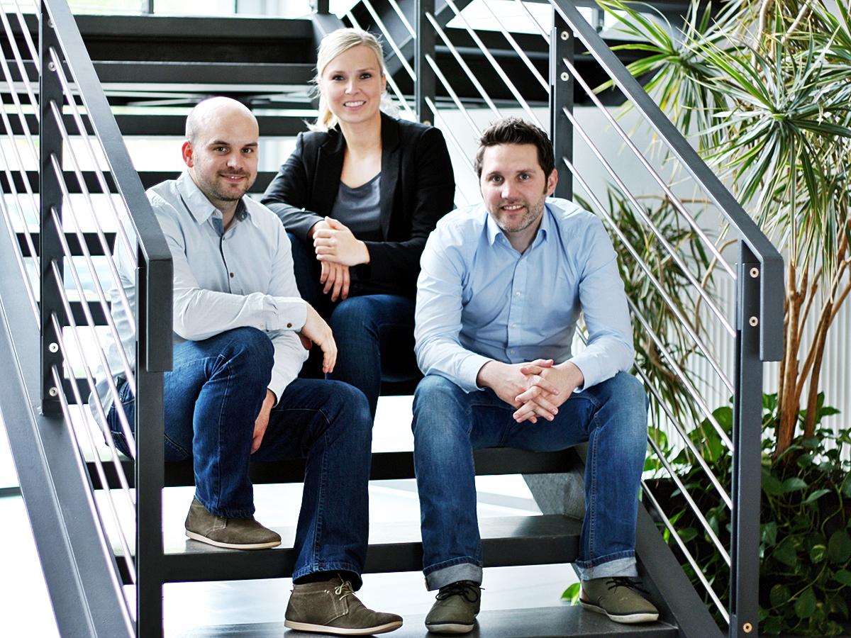 Stefan Fink, Stephanie Henn und Stefan Pandorf (v.l.) legten bereits im Studium den Grundstein für ihr Start-up Particulate Solutions. Foto: Natalie Henzgen