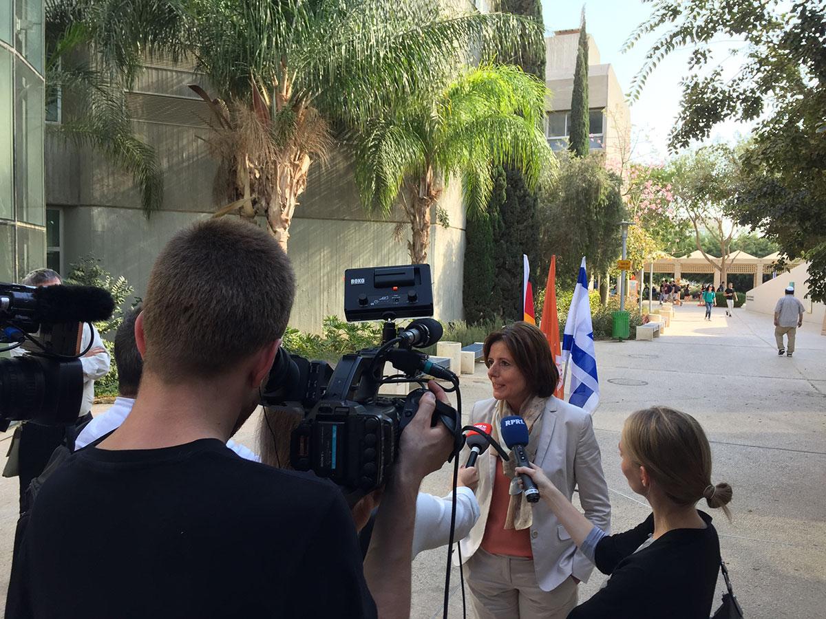 Medienarbeit auf der Reise nach Israel und in die Palästinensischen Gebiete. Foto: Staatskanzlei RLP