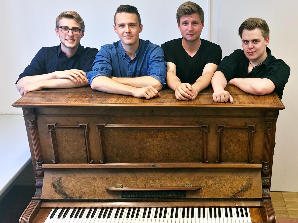 Die klassische Musik begeistert die vier Studenten seit der Schulzeit und hat sie an der Universität zusammengeführt. Foto: Privat