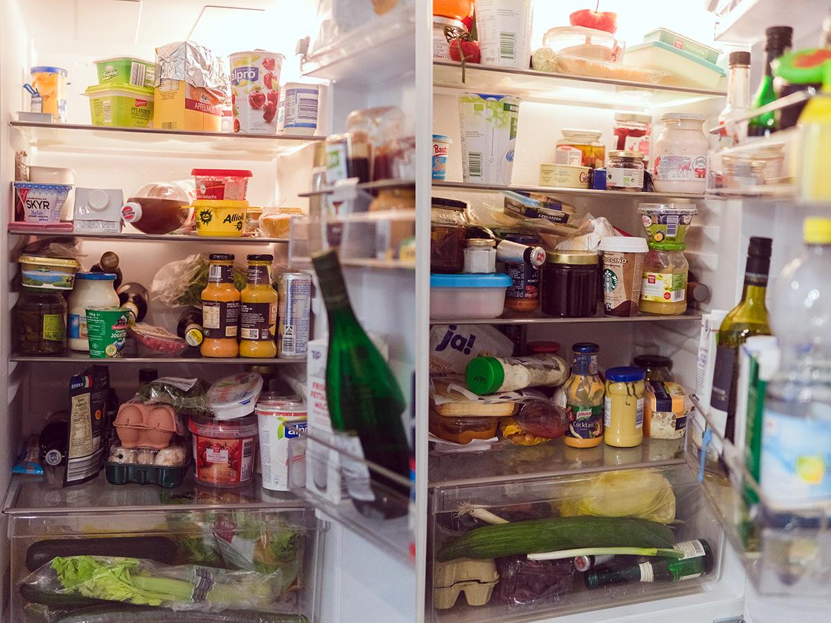 Zwei Kühlschränke sind nicht genug: Es fehlt der Platz für wichtige WG-Grundnahrungsmittel.