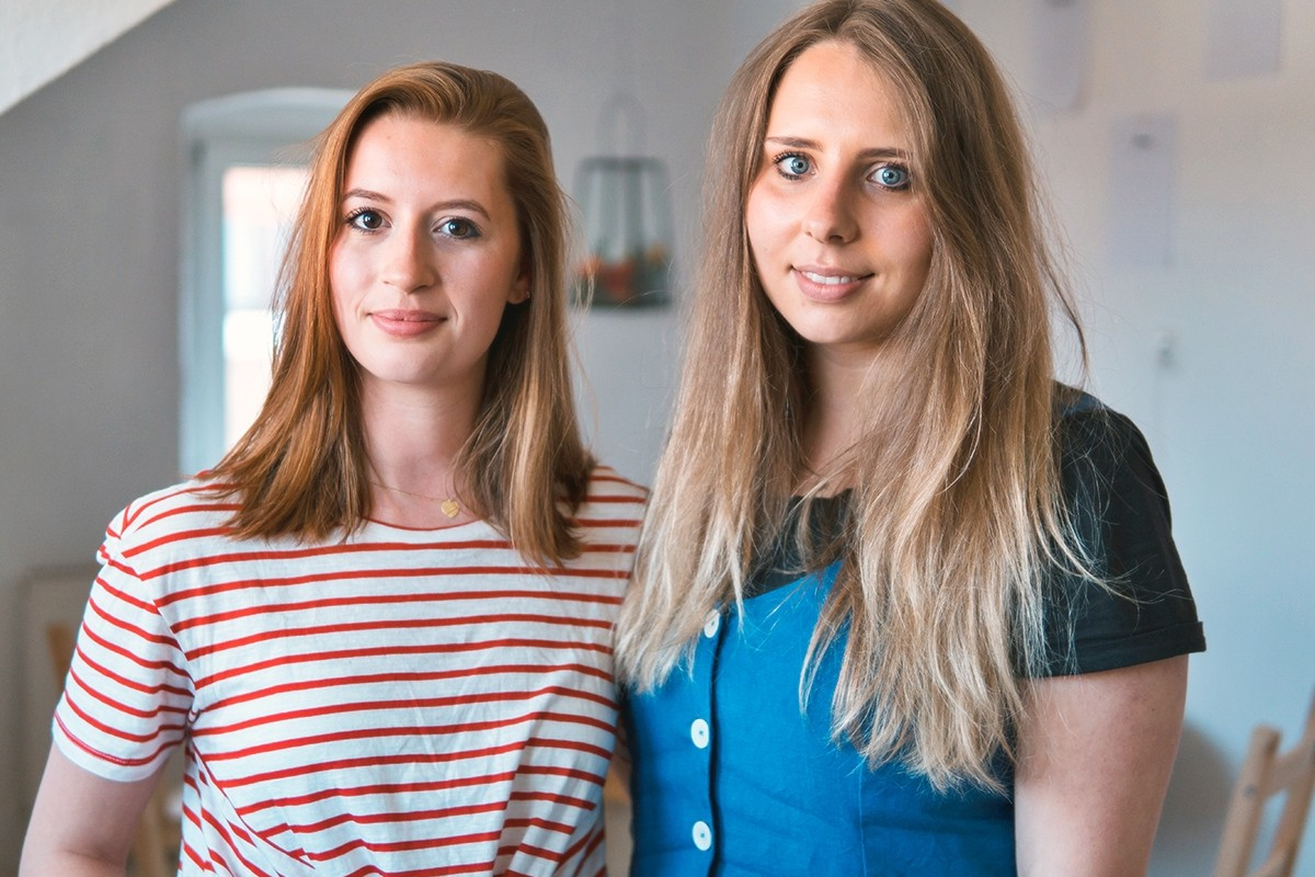 Julia Cutler und Ricarda Natus sind nicht nur Mitbewohnerinnen, sondern auch enge Freundinnen. Fotos: Philipp Sittinger