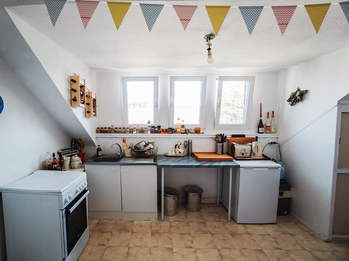 Die Küche unterm Dach.