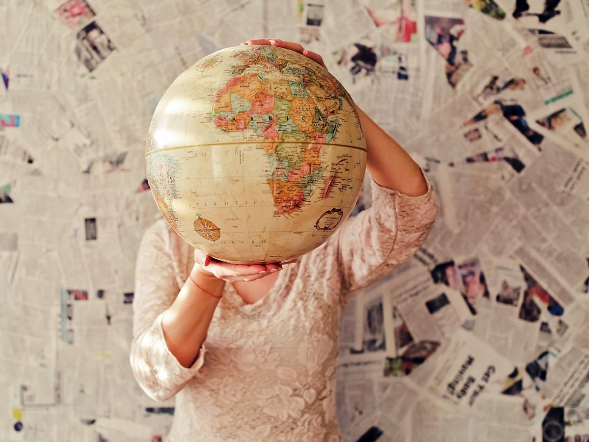 Die Welt kennenlernen - mit Erasmus + ist das für Studis, Doktoranden und Mitarbeitende der Uni möglich. Foto: Slava Bowman / Unsplash