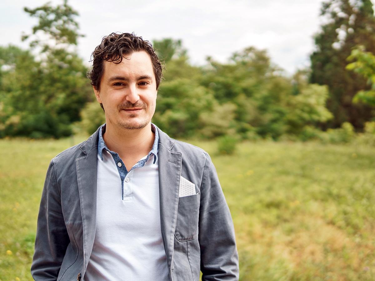 Dr. Björn Hayer ist seit zehn Jahren Vegetarier und ernährt sich seit zwei Jahren vegan. Seine Kollegin Klarissa Schröder und er sind inzwischen als Veggie-Büro bekannt. Foto: Philipp Sittinger