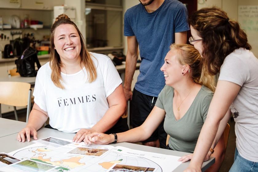 Francesca Ulf (links) und ihre Mitstreiter hatten sichtlich Spaß bei der Arbeit am BTN-Zertifikat, das angehende Lehrer für das Thema Nachhaltigkeit sensibilisieren soll. Foto: Philipp Sittinger