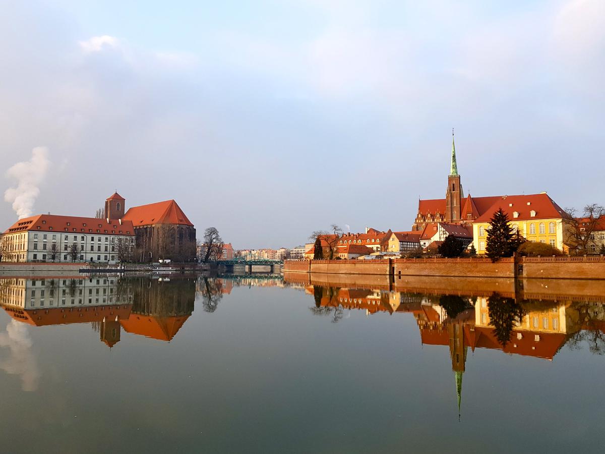 Ein besonderer Blick auf die historische Stadt Breslau, die sich in der Oder spiegelt. Foto: Privat