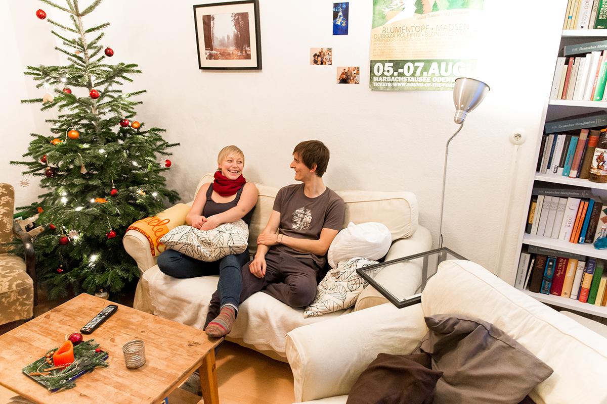 Zu den Highlights im Wohnzimmer zählte in der Weihnachtszeit vor allem der prächtig geschmückte Weihnachtsbaum. Foto: Teresa Schardt