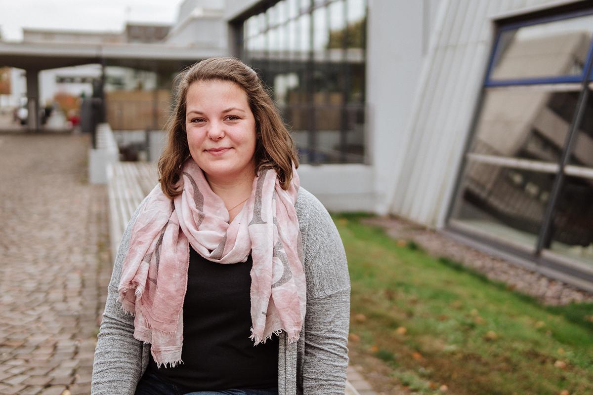 Melina Drews studiert im Master Förderschullehramt. Für den Uniblog berichtet sie von ihrem Praktikum an der Heinrich-Böll-Schule in Frechen. Foto: Philipp Sittinger
